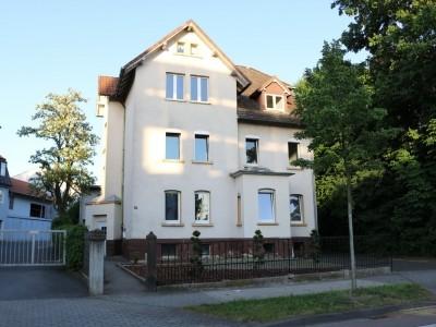 Helle Altbauwohnung, zentrale Lage, *Frisch renoviert*, echtholz Parkett