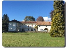 Immogold IMI 1380 renovierungsbedürftige Villa mit großem Park