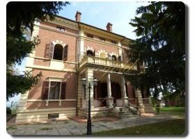 Adelsvilla aus dem 19. Jahrhundert