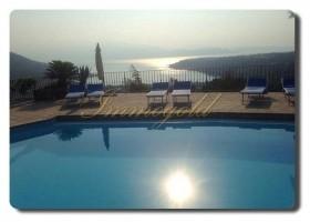 Immogold, separat stehende Villa hoch über dem Lago di Garda