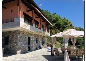 Immogold freistehende Villa im Ortskern, in ruhiger sehr sonniger Lage