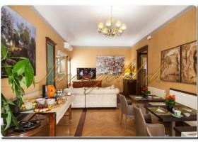 Immogold, großzügige, luxuriöse Wohnung, in einem Jugendstil-Palazzo