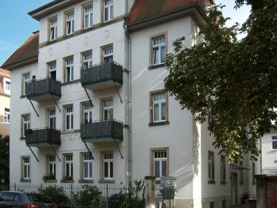 San.Altbau mit EBK und Balkon
