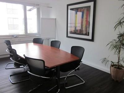 Superzentral, München Maxvorstadt, ca. 100qm - All-In Miete, 2 Bürozimmer - Konferenzraum, Küche und Serverraum in Gemeinschaft