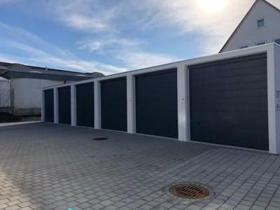 große Garage mit Strompaket zu vermieten