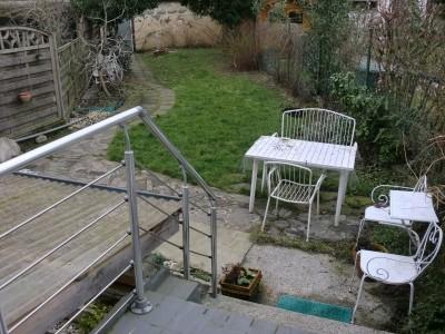 helles 18 qm Zimmer + Garten + Partykeller