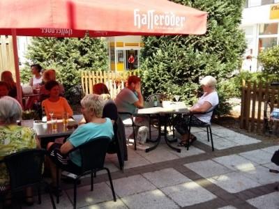 Lage!Lage!Lage! kleines Cafe mit Biergarten