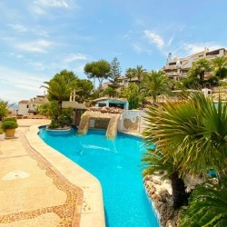 Großzügiges 3 Schlafzimmer Apartment in einer mediterranen Pool-Wohnanlage in Costa de la Calma