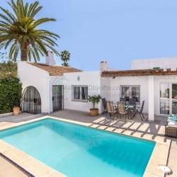 Sol de Mallorca, Lizenz zur Ferienvermietung - 4 Schlafzimmer Villa im ibizenkischen Stil, mit privatem Pool