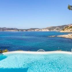 Investition, 400qm Villa in 1. Meereslinie, 5 Schlafzimmer und Pool – Santa Ponsa
