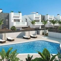 Wunderschöne Obergeschoss-Wohnungen mit 2 Schlafzimmern, Dachterrasse und Gemeinschaftspool