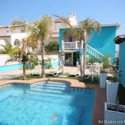 Strandvilla mit Pool, 2 Wohnungen und direktem Zugang zum Dünenstrand von Oliva