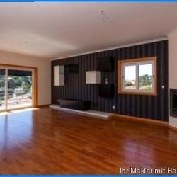 ***Eigentumswohnung zum günstigen Preis in begehrter Wohnlage Portugals, nur 800 m bis zum Strand***