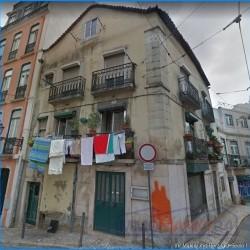 ***Sanierungsbedürftiges Einfamilienhaus in bekannten Altstadtviertel von Lissabon***