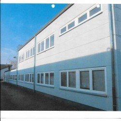 500 m² / 1.000 m² oder 1.125 m² Lager- / Produktionshalle und Büroräume incl. einer Freifläche von 800 m² PROVISIONSFREI zu vermieten
