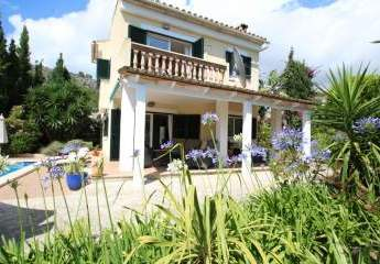 Mediterranes Chalet im Dorf Calvia