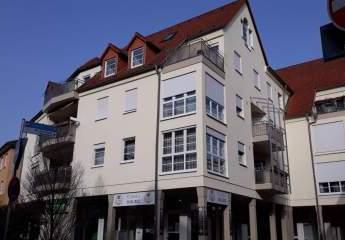 3 Zimmer Wohnung mit Balkon und EBK in Rüsselsheim